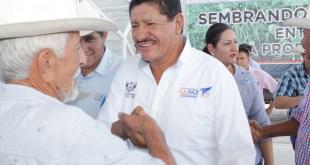 Entregan beneficios a pescadores, ganaderos y agricultores de la zona rural