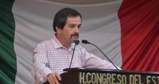 Convoca Diputado Camilo Torres Mejía a apoyar a personas invidentes y débiles visuales