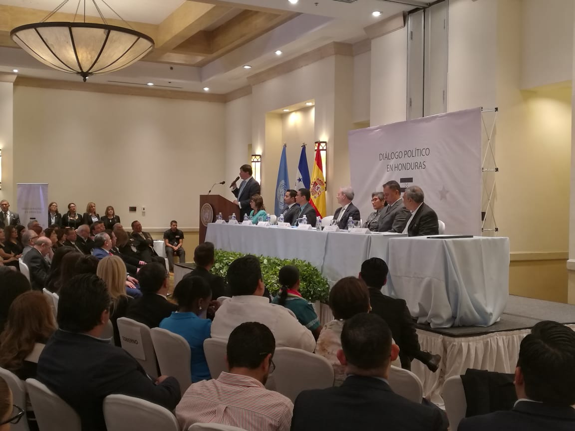 Resultado de imagen para dialogo nacional en honduras