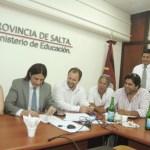 La Intergremial Docente aceptó un aumento salarial del 22% para el 2012