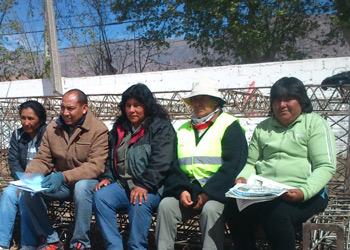 Los delegados de ATE durante la asamblea en el predio de la Serenta a Cafayate