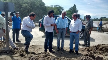 Los funcionarios provinciales durante la breve visita a Cafayate