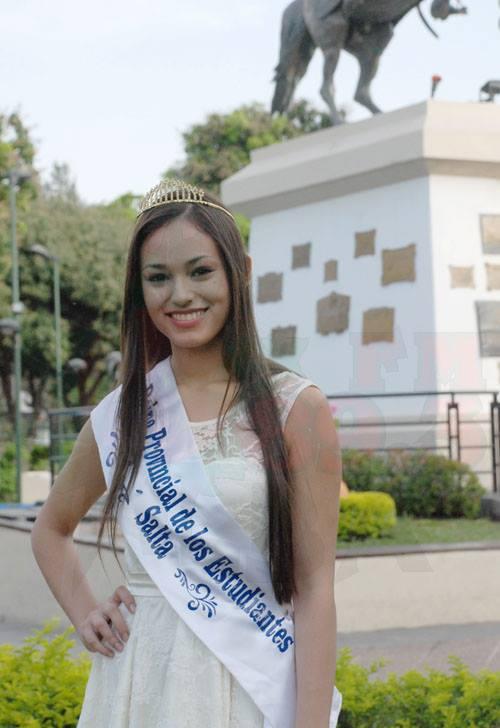 Oriana Névora - Reina Saliente. Fotos FM Alba 89.3 Mhz Tartagal