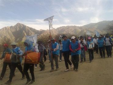 Los peregrinos en el tramo entre El Divisadero y la Catedral de Cafayate