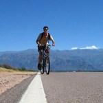 Un cafayateño en bicicleta por sendas gastronómicas de los valles