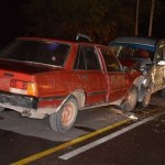 Heridos graves al chocar dos autos de frente