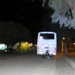 En San Carlos un motociclista se estrelló contra un colectivo
