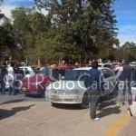 Protesta de remiseros en reclamo de aumento de tarifas