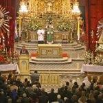 Entronizan las imágenes del Señor y la Virgen del Milagro en Salta