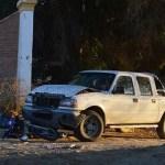 Motociclista fracturado tras el choque con una camioneta