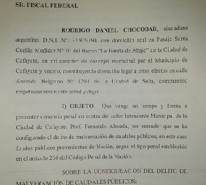 Copia del escrito presentado denunciando malversación de fondos públicos