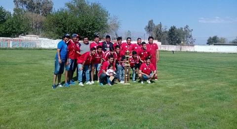 Sportivo Animamá luce su nuevo trofeo y su nueva cancha