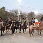 Partieron los peregrinos a caballo