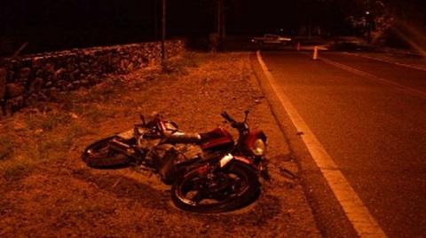 Murió un joven que cayó de la moto