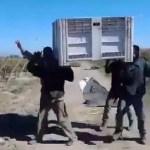 En plena cuarentena cosecheros de Cafayate imitaron el video viral del ataúd