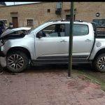 Pudo ser una tragedia: estrelló la camioneta contra una casa céntrica