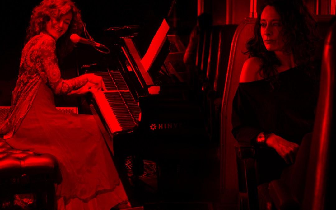 Carmen París y Gabriela Morgare presentan Jotas, tangos y otras aves en la Sala Camacuá