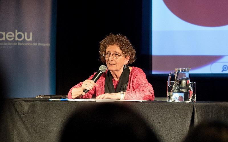 Mari Carmen Díez: «Hay que salir más de la escuela»