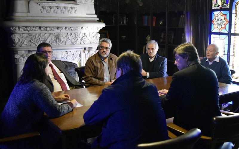 AEBU firmó convenio de cooperación con el Claeh