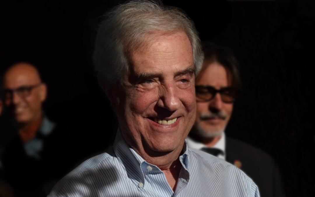 Tabaré Vázquez y la emoción en el homenaje del PIT-CNT