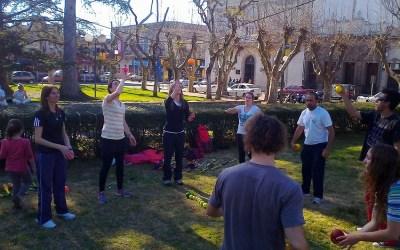 Profesores de educación física preocupados por ataques al circo y arte callejero