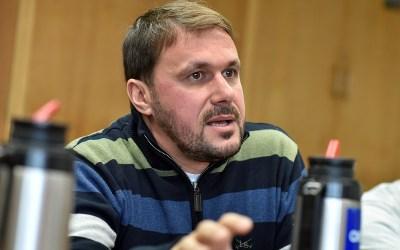 Comenzó a trabajar la comisión central «AEBU Firma» en contra de la LUC