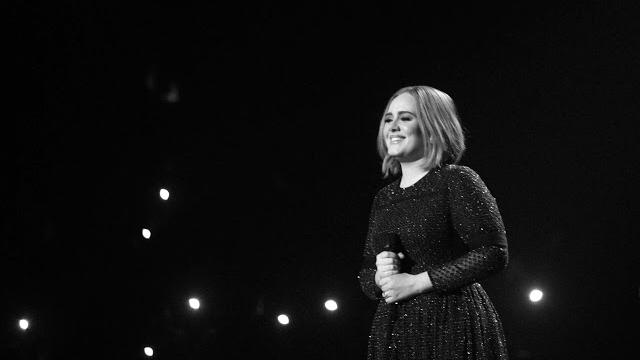 El públic d'Adele salva uns nous problemes de so