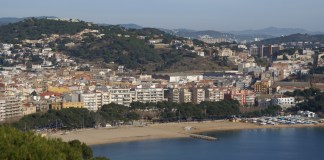 Panorama de ciutat de Sant Feliu de Guíxols vist des de Sant Elm