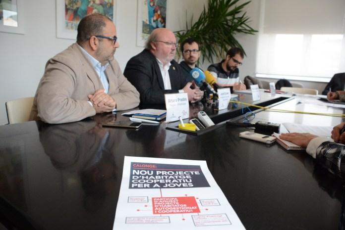 Durant la presentació del projecte d'habitatge cooperatiu a Calonge