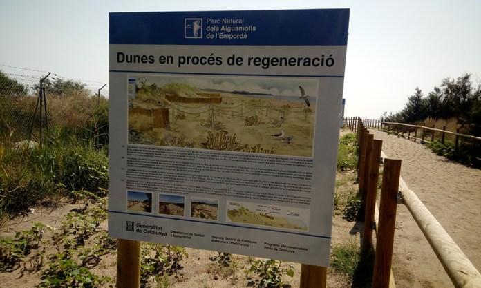 Cartell informatiu de les dunes de les platges