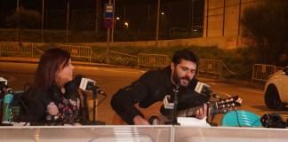 Neus Mar i Miquel Abras a Ràdio Capital cantant País Petit en exclusiva