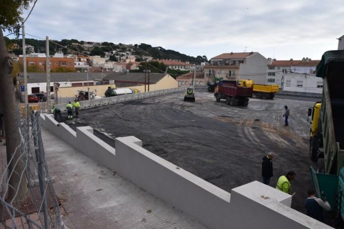 Asfalt del pàrquing de l'Agglotap de Sant Feliu de Guíxols