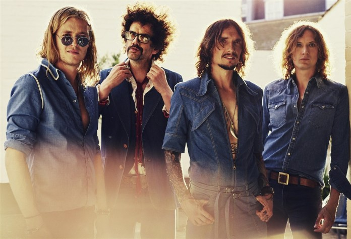 """The Darkness promocionen """"Easter is Cancelled"""" pel 4 d'octubre"""