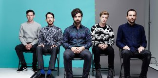 foals-estrena-'into-the-surf'