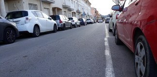 privat:-la-policia-local-de-palafrugell-imputa-un-delicte-de-danys-intencionats-a-un-home-que-punxava-rodes-de-diversos-vehicles