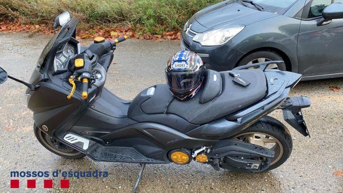 Motocicleta dels detinguts amb marihuana a Sant Feliu de Guíxols | Imatge dels Mossos d'Esquadra