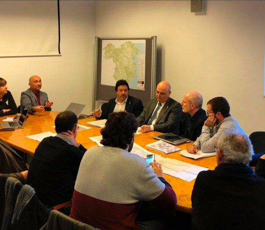 Isidre Gavín amb alcaldes del Baix Empordà | Imatge de la Generalitat