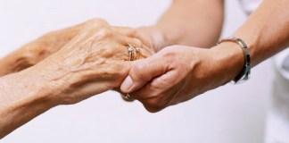 privat:-l'ajuntament-es-posara-en-contacte-amb-els-prop-de-700-veins-i-veines-majors-de-70-anys