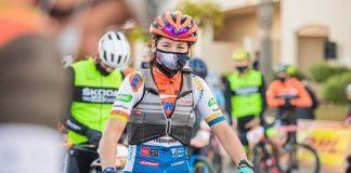 privat:-la-ciclista-guixolenca-silvia-roura-queda-segona-a-la-titan-desert-d'almeria