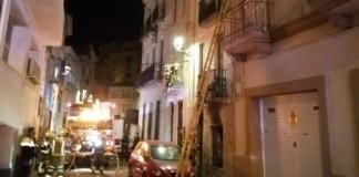 Incendi a la planta baixa d'un edifici a Sant Feliu | Imatge dels Bombers