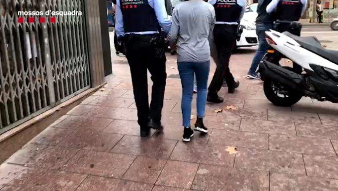 Detenció d'un dels membres del clan que robava joies a gent gran a Calonge   Imatge dels Mossos