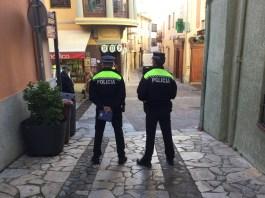 privat:-la-policia-local-de-palafrugell-dete-el-conductor-d'un-vehicle-que-tenia-la-llicencia-retirada-judicialment