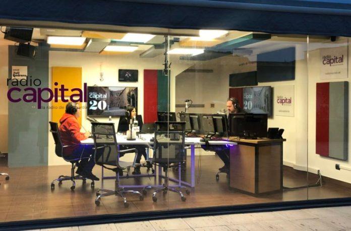 L'estudi de Ràdio Capital a Palafrugell on es pot fer feina de periodista