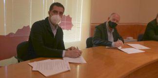 Firma de la Beca Impulsa del Consell Comarcal del Baix Empordà