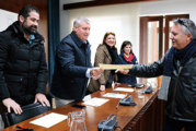 El Ayuntamiento entrega los Certificados de Experiencia Profesional a los 86 trabajadores de los planes de empleo