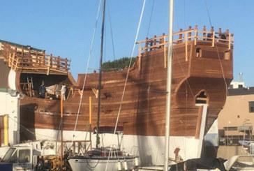 La réplica de la Nao Santa María ya ha completado el casco de fibra y afronta la fase final de su construcción