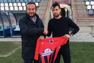 Jerónimo Herrera ya es a todos los efectos nuevo jugador del Cartaya. Cuenta con opciones de debutar el domingo ante el Viso