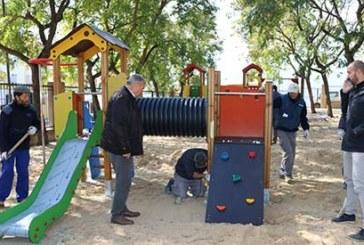 Nuevo mobiliario infantil para el Parque de El Almendral