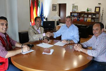 El Ayuntamiento renueva el acuerdo con Cruz Roja para acciones de voluntariado, socorrismo y emergencia