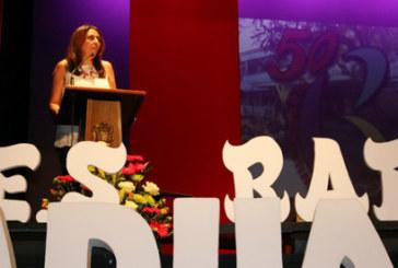 Emotiva graduación en Cartaya de la promoción de bachillerato del 50 aniversario del IES Rafael Reyes